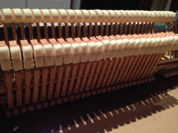 treble-dampers-spinet-piano
