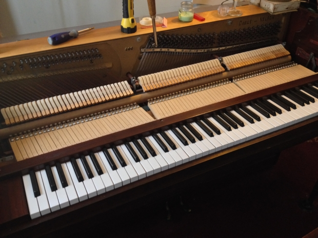 cable-nelson-spinet-piano-key-tops-complete